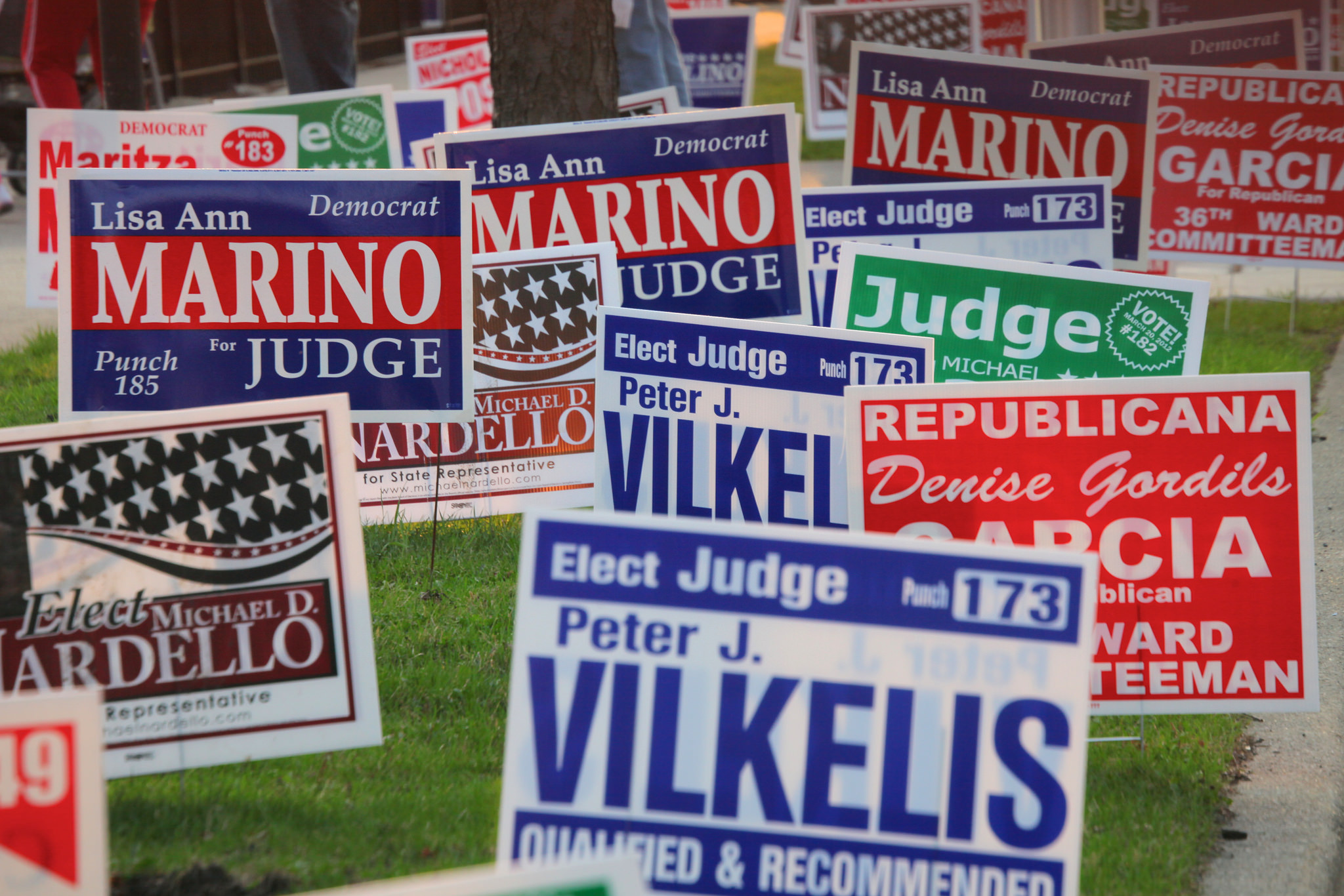 coroplast campaign signs