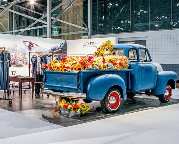 vintage vehicle trade show booth design